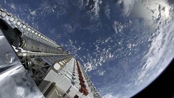 SpaceX phủ nhận tuyên bố vệ tinh Starlink và OneWeb suýt va chạm ảnh 1