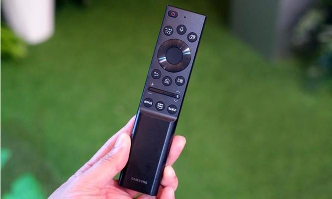 Điều khiển TV Samsung dùng năng lượng mặt trời ảnh 1