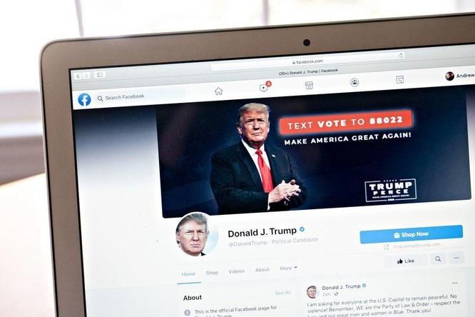 Facebook vẫn cấm ông Trump nhưng phải xem lại quyết định ảnh 1