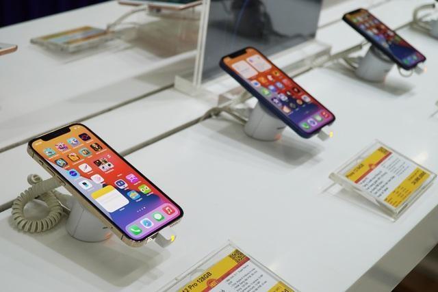 """""""Miếng bánh"""" thị phần smartphone tại Việt Nam đang phân chia ra sao? ảnh 2"""