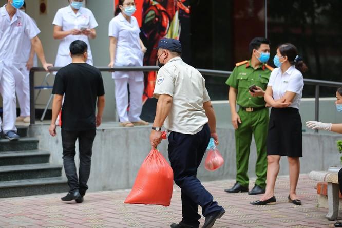 Hà Nội phong toả khẩn cấp toà 17T4 Trung Hoà Nhân Chính ảnh 4