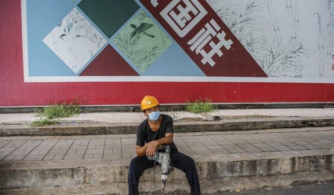 Con người dần vắng bóng tại các dây chuyền sản xuất Trung Quốc ảnh 3