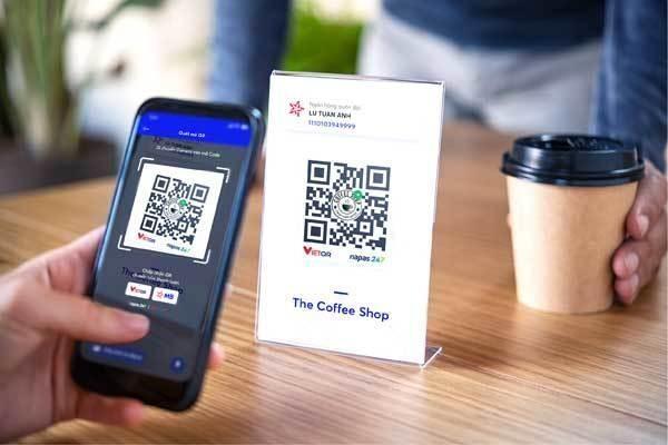 Ngân hàng đồng loạt cho khách hàng chuyển tiền nhanh và thanh toán bằng mã QR ảnh 2