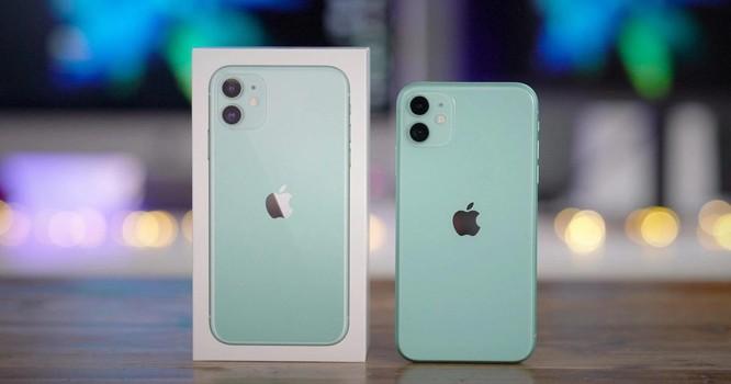 iPhone 11 chính hãng giảm giá mạnh, rẻ hơn máy xách tay ảnh 1