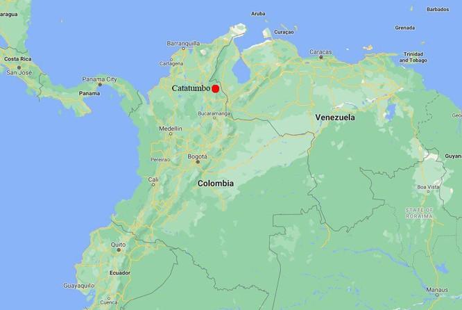 Trực thăng chở Tổng thống Colombia bị nã đạn ảnh 3
