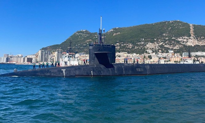 Tàu ngầm Mỹ có loạt động thái lạ nghi 'dằn mặt' Nga ảnh 1