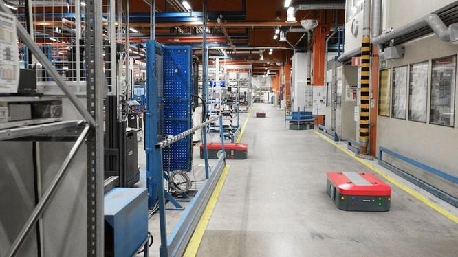 Bên trong một nhà máy sản xuất ô tô đạt chuẩn 4.0 có gì? ảnh 2