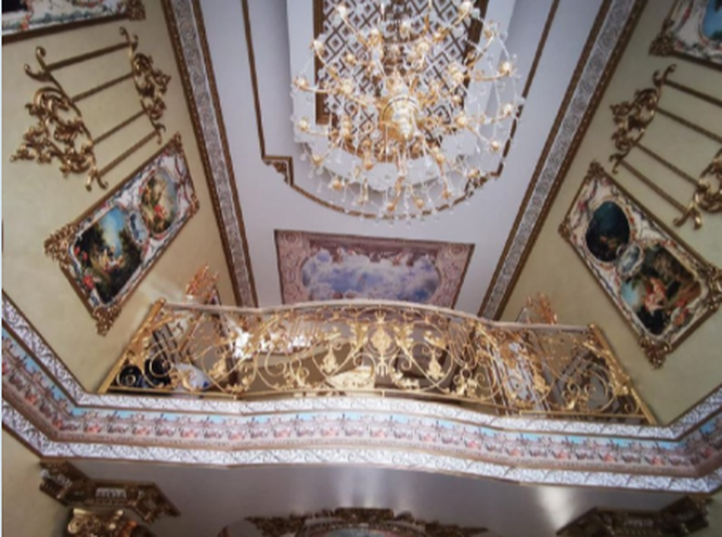 """Nga bắt cảnh sát """"mafia"""" sở hữu biệt phủ dát vàng như cung điện ảnh 3"""