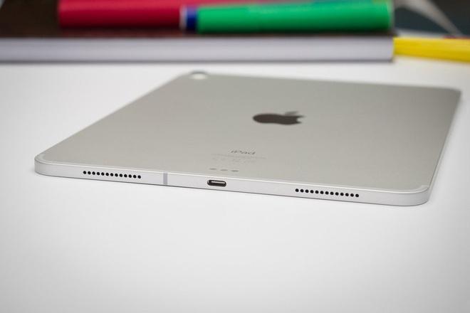 """Đã đến lúc Apple """"khai tử"""" cổng sạc Lightning ảnh 2"""