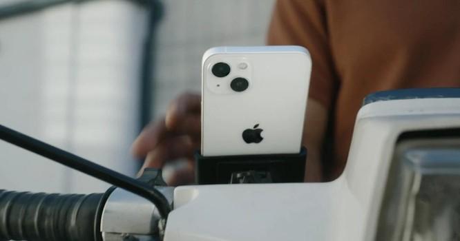 """Apple vừa """"tự vả miệng"""" trong video quảng cáo iPhone 13 ảnh 1"""