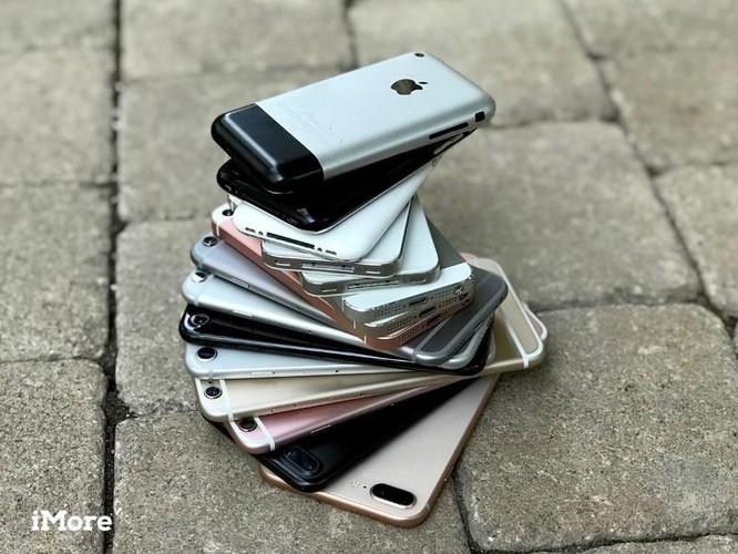 Giáo sư John Naughton: 'Muốn bảo vệ Trái Đất thì đừng mua iPhone 13' ảnh 2