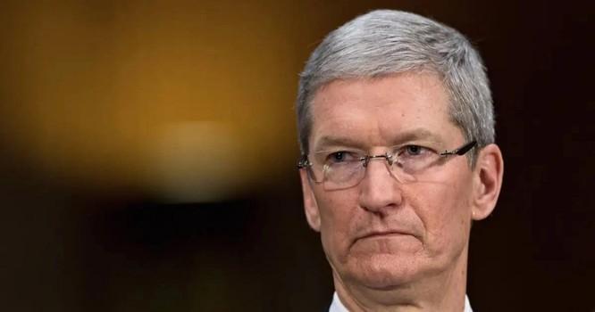 """Tình huống """"dở khóc dở cười"""" của CEO Tim Cook với nhân viên Apple ảnh 1"""