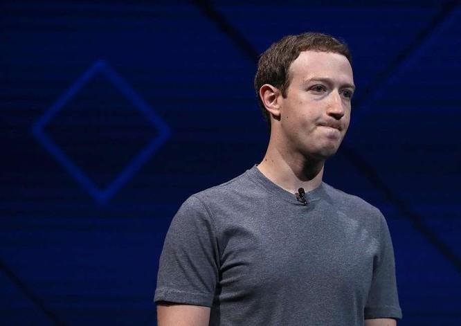 """Zuckerberg tiếp tục """"đá đều"""" Apple, kêu gọi Mỹ điều tra ảnh 1"""
