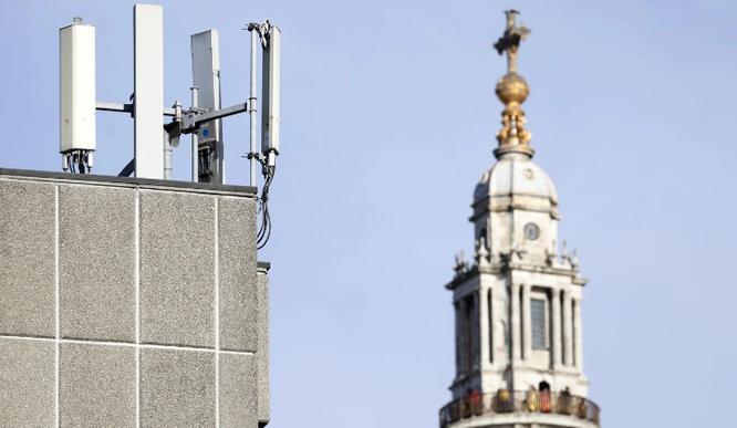 Các công ty viễn thông Anh sẽ bị phạt nếu sử dụng thiết bị 5G Huawei ảnh 1