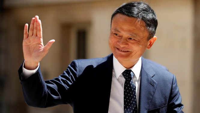 """Tỉ phú Jack Ma lần đầu lộ diện sau quãng thời gian """"mất tích"""" bí ẩn ảnh 1"""