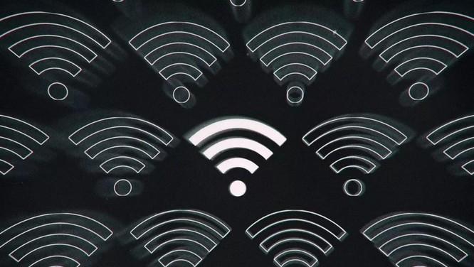 Chia sẻ mật khẩu Wi-Fi dễ dàng hơn với Android 12 ảnh 1