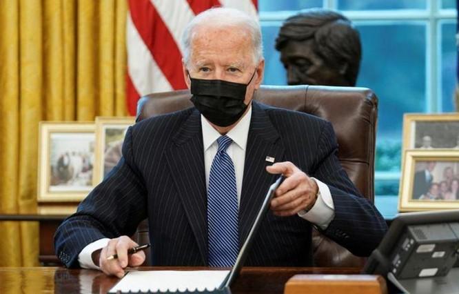 Ông Biden sẽ thay thế đội xe của chính phủ Mỹ bằng xe điện ảnh 2