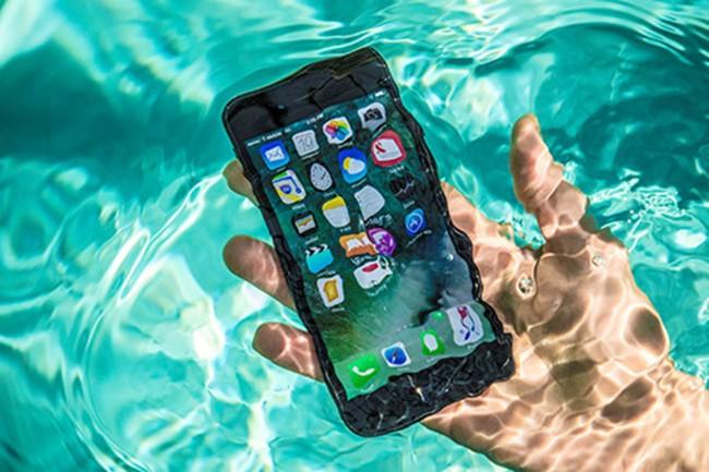 Di động, kháng nước, Mobile, Apple, Samsung, bảo hành, khác biệt, công nghệ, VietTimes