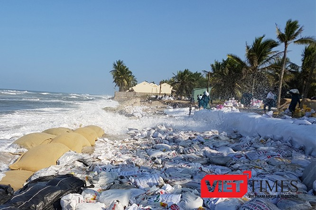 Hội An, Cửa Đại, bãi biển, sạt lở, xâm thực, bao cát, cứu chữa, bao cát, VietTimes