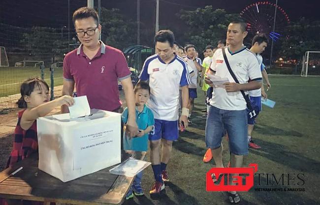 Ban chủ nhiệm, JFC Danang, quyên góp, ủng hộ, đồng bào, vùng lũ, miền trung, VietTimes