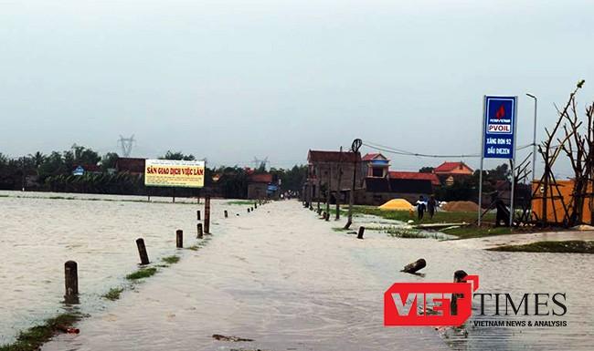 mưa lũ, đe dọa miền Trung, Bắc Trung Bộ, thiệt hại, nhà ngập, người chết, Quảng Bình, VietTimes