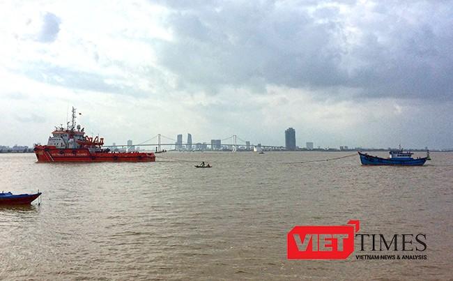 Cảnh sát biển, tàu 9002, Hải đội 201, Bộ tư lệnh, vùng Cảnh sát biển 2, Quảng Nam, cứu hộ, lai dắt, tàu cá bị nạn, VietTimes