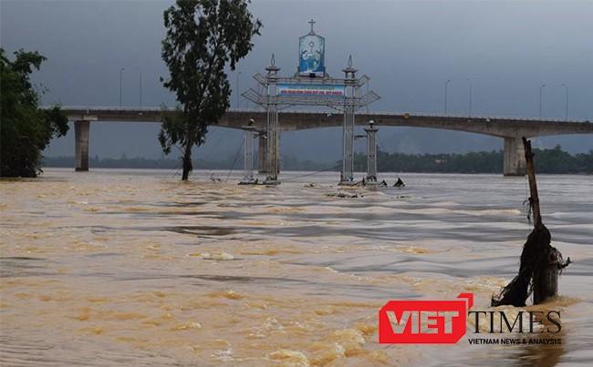 lũ lụt, miền Trung, người chết, mất tích, bị thương, áp thấp nhiệt đới, e dọa đổ bộ, VietTimes