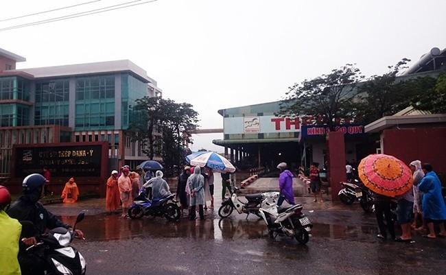 nhà máy thép, Đà Nẵng, Dana Ý, Dana Úc, ô nhiễm, môi trường, bao vây, bức xúc, VietTimes
