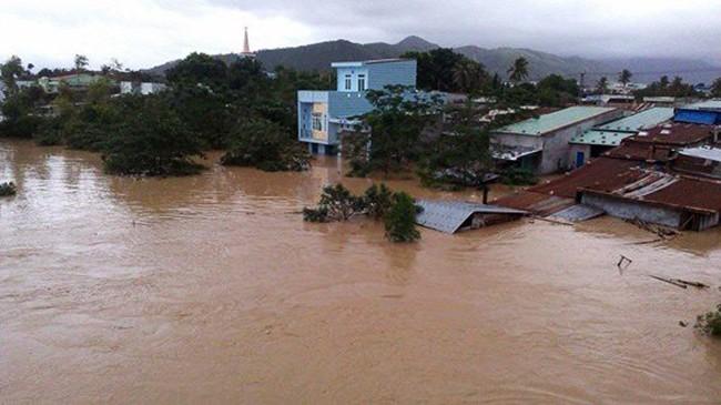 mưa lũ, thiệt hại, người chết, mất tích, bị thương, nhà bị sập, nhà bị ngập, miền Trung, VietTimes
