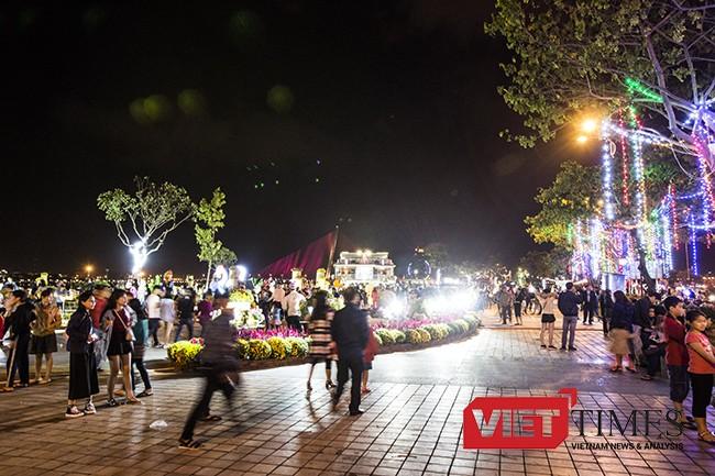 VietTimes, Tết cổ truyền, Đinh Dậu, đêm 30 Tết, Đà Nẵng, Bí thư, Nguyễn Xuân Anh, lung linh