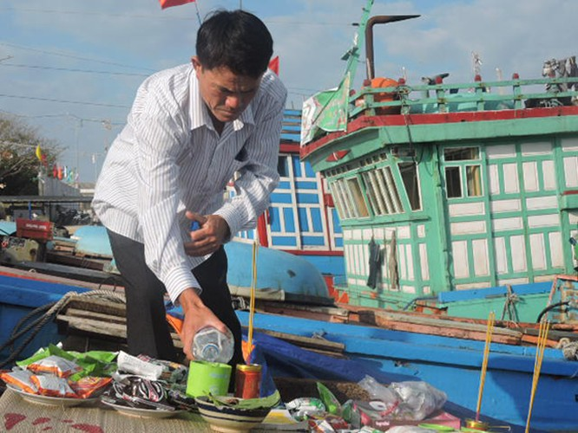 Ngư dân, Lý Sơn, khai tàu, mở biển đầu năm, VietTimes, Quảng Ngãi, ngư trường, tàu cá