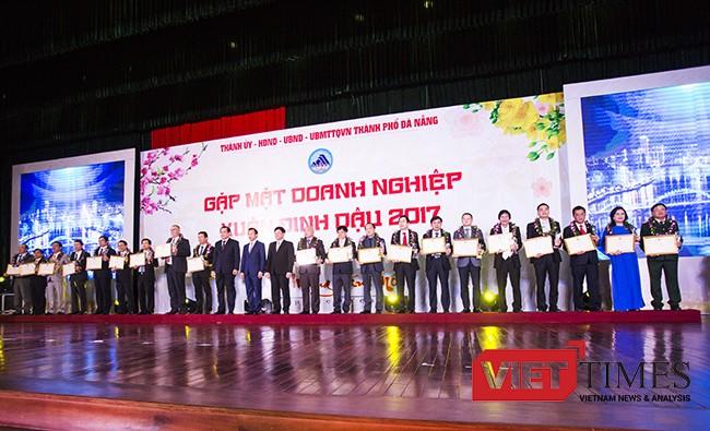 Bí thư Đà Nẵng, Nguyễn Xuân Anh, Tôn vinh, Doanh nghiệp, tiêu biểu, VietTimes, Huỳnh Đức Thơ, công chức, minh bạch