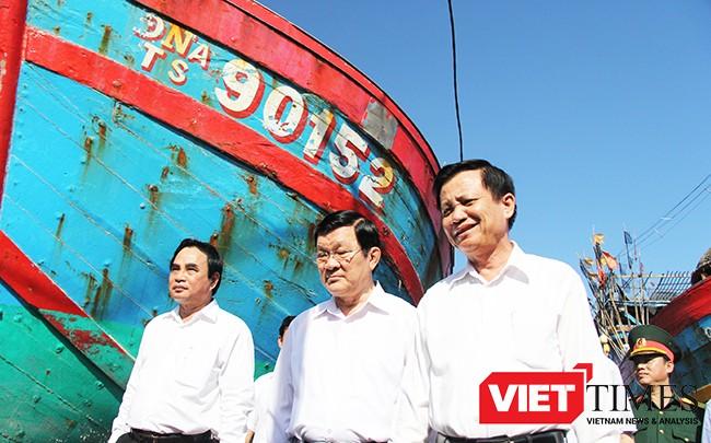 VietTimes, huyện Hoàng Sa, Đà Nẵng, trưng bày, tàu cá, ĐNa 90152TS, Trung Quốc, đâm chìm, biển Hoàng Sa.