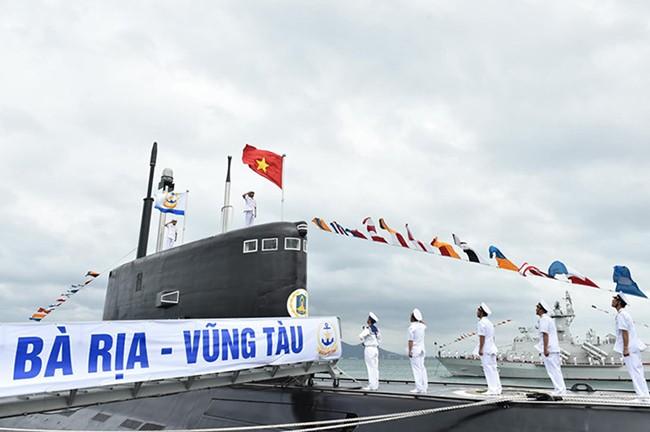 VietTimes, Lữ đoàn Tàu ngầm, Hải Quân, Cam Ranh, Khánh Hòa, HQ 186, Đà Nẵng, HQ 187, Bà Rịa-Vũng Tàu, thượng cờ