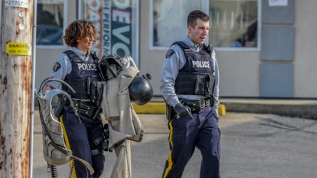 VietTimes, nam thanh niên, mặt nạ phòng độc, áo giáp, game thủ, bị cảnh sát bắt giữ, phần tử khủng bố
