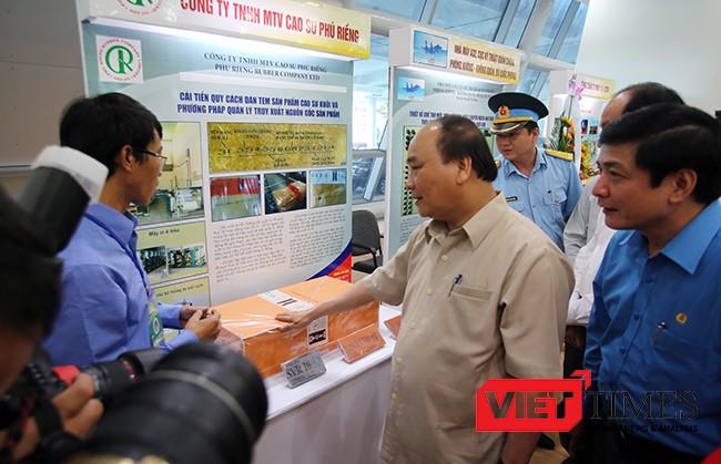Thủ tướng Nguyễn Xuân Phúc đánh gái cao những thành tựu mà các doanh nghiệp đã đạt được trong thời gian qua