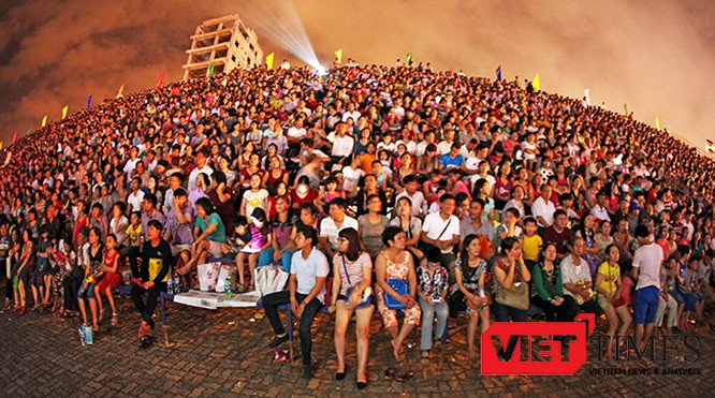 VietTimes, Đà Nẵng, du khách, lễ 30/4 và 1/5, Pháo hoa quốc tế, DIFF 2017