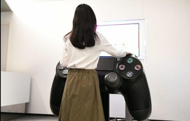 Sony, Tokyo, máy chơi game, phiên bản khổng lồ, PlayStation 4, phiên bản 20 năm, Rapper, VietTimes
