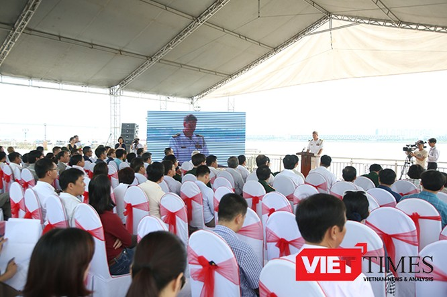 Sáng 13/5, hải quân 2 nước Việt Nam, Hoa Kỳ và các nước tham gia gồm Anh, Australia, Nhật Bản đã cùng diễn tập ứng phó sự cố tràn dầu trên sông Hàn.