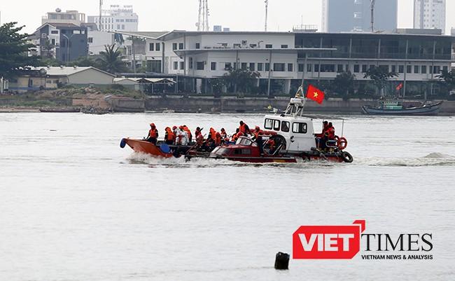 Lực lượng Hải quân Việt-Mỹ hợp đồng cứu hộ