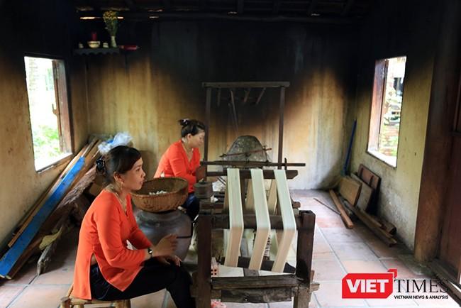 Các nghệ nhân làng lụa góp phần gìn giữ và phát triển sản phẩm truyền thống
