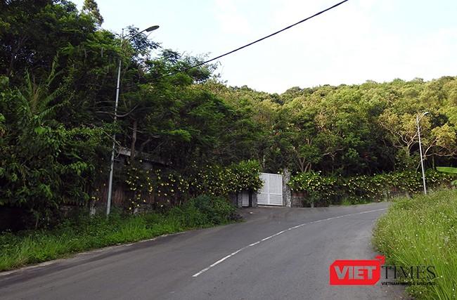 Khu biệt thự được cấp cho bà Oanh tại Lô 09-Khu vườn sinh thái, nhà nghỉ-khu biệt thự Suối Đá (bán đảo Sơn Trà) với diện tích rộng 1,24ha đang được cộng đồng mạng quan tâm