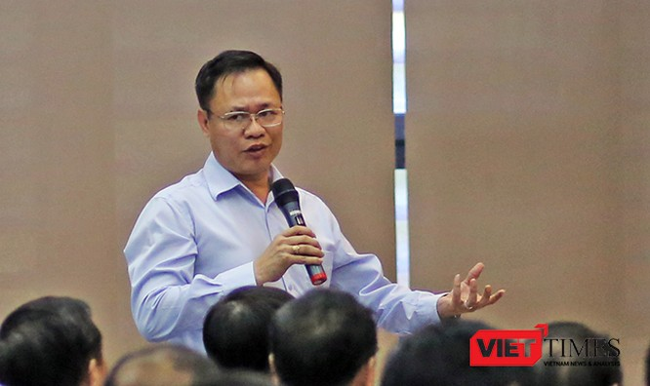 Theo ông Vũ Quang Hùng, Giám đốc Sở Xây dựng TP Đà Nẵng, tất cả các đơn vị có quyền, nếu đấu giá cao thì có quyền mua. Và có tiền thì mua bao nhiêu nhà công sản cũng được