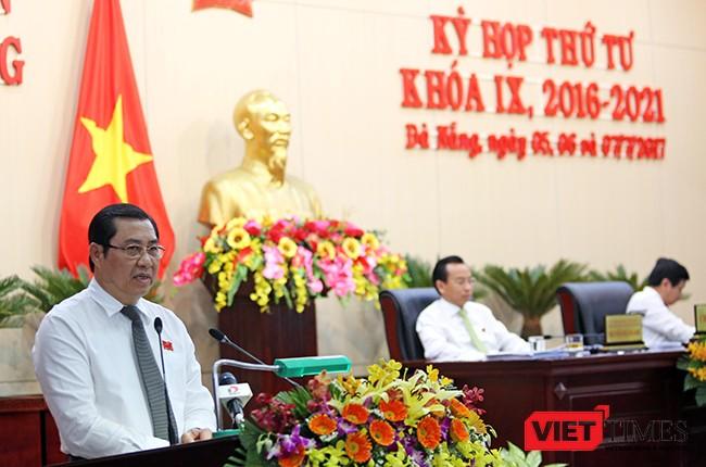 Ông Huỳnh Đức Thơ, Chủ tịch UBND TP Đà Nẵng trần tình về quy hoạch bán đảo Sơn Trà trước cử tri tại kỳ họp thứ 4, HĐND TP khóa IX