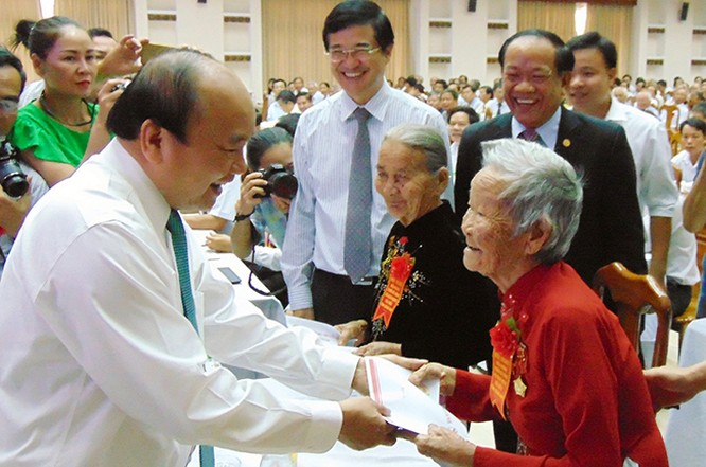 Thủ tướng Chính phủ Nguyễn Xuân Phúc trực tiếp thăm hỏi, động viên các Mạ VNAH tỉnh Quảng Nam nhân kỷ niệm 70 năm ngày Thương binh liệt sĩ