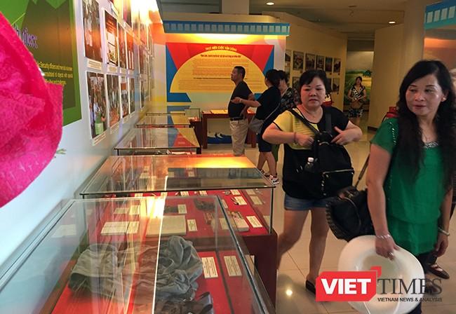 Triển lãm thu hút sự quan tâm của du khách đến Bảo tàng