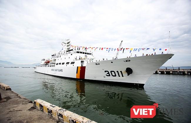 Tàu Badaro (3011) thuộc Lực lượng Bảo vệ bờ biển Hàn Quốc cập cảng Tien Sa (Đà Nẵng) vào sáng 4/9