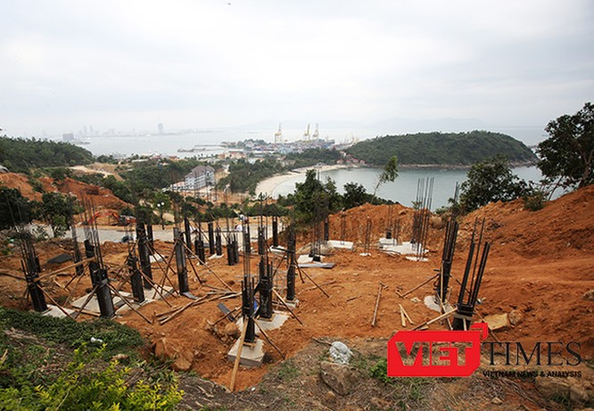 Một góc dự án Khu du lịch nghỉ dưỡng sinh thái biển Tiên Sa trên bán đảo Sơn Trà đang triển khai và tạm dừng