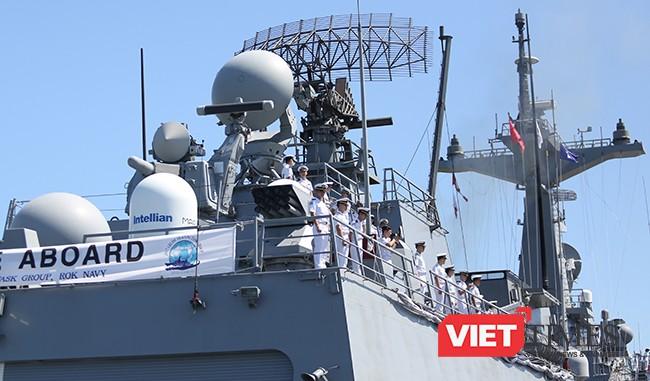 Tổ hợp radar cùng hệ thống tên lửa đánh chặn trên hạm