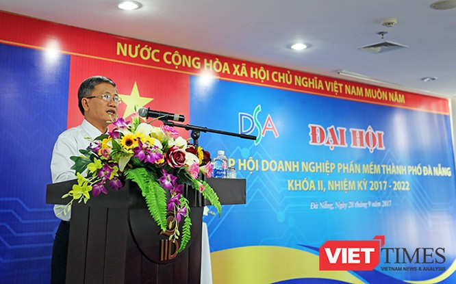 Ông Nguyễn Quang Thanh, Giám đốc Sở TT-TT TP Đà Nẵng, Chủ tịch Hiệp hội doanh nghiệp phần mềm Đà Nẵng phát biểu tại Đại hội
